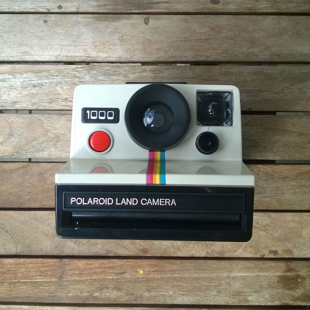 polaroid 1000 all about gestaltung. Black Bedroom Furniture Sets. Home Design Ideas